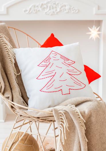0022109-00000-02 Anchor Winter Dreams Pine treecushion cover.jpg