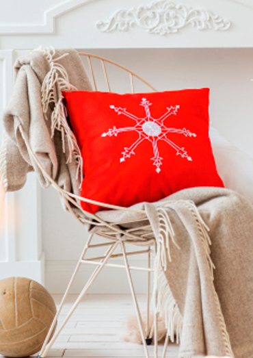 0022109-00000-03 Anchor Winter Dreams star cushion cover.jpg