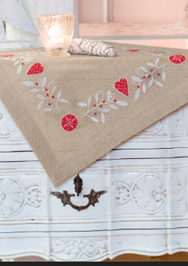 0022109-00000-13 Anchor Winter Dreams Table mat.jpg