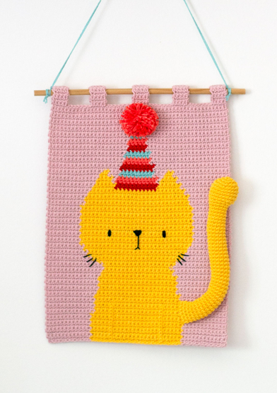 A28B002-09061 Party Cat Wall hanging_A4.jpg