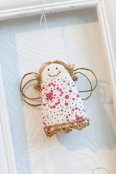 0060044-01001-04 Anchor My Christmas Home FabricAngel.tif_.jpg