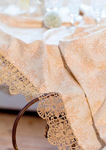 0060044-01001-06 Anchor My Christmas home table cloth border.jpg