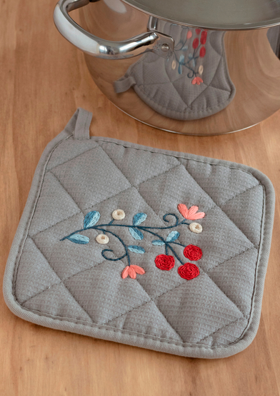 ANC0003-64_Embroidered Pot Holder_A4.jpg