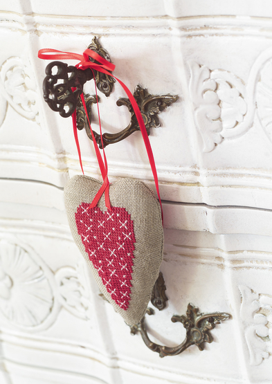 Anchor Enchanting Christmas Hanging Heart 0060003-00709-11_3.jpg