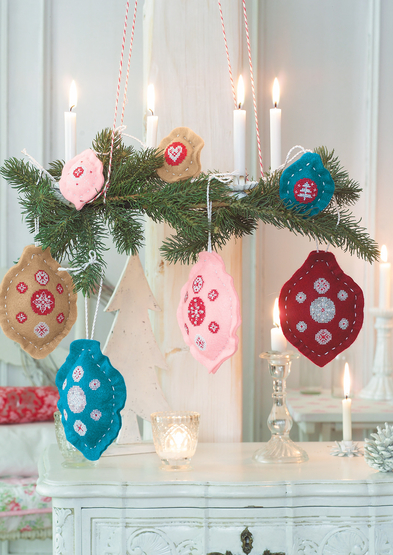 Anchor Enchanting Christmas Tree ornaments 0060003-00709-06_3.jpg